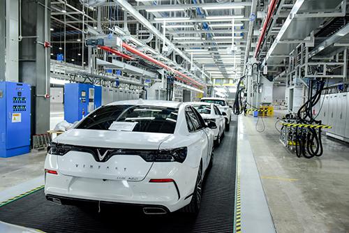 Dàn Lux hoàn thiện tại nhà máy, chuẩn bị lên đường đi các nước.