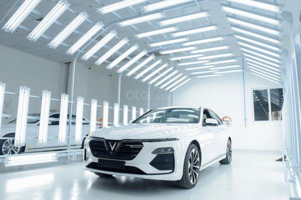 """Lux A2.0 và Lux SA2.0 là hai mẫu xe thể hiện trọn vẹn giá trị cốt lõi """"Việt Nam - Phong cách - An toàn - Sáng tạo - Tiên phong"""" của nhà sản xuất ô tô VinFast."""