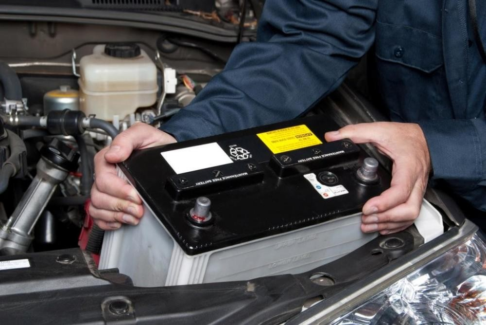 8 cách sửa chữa ô tô đơn giản mà tài xế nào cũng nên biết