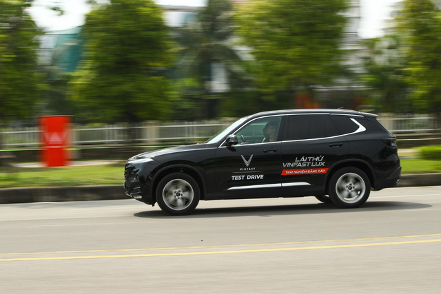 Đảm bảo 5K mùa dịch, VinFast tiên phong phục vụ lái thử xe, ký hợp đồng tại nhà khách hàng - Ảnh 1.