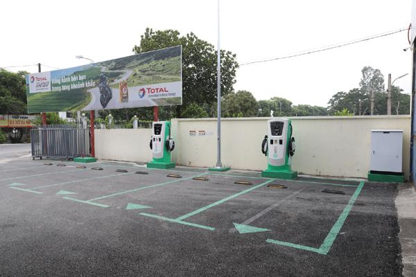 VinFast lắp đặt thần tốc hơn 8.100 cổng sạc ô tô, xe máy điện ở 60 tỉnh thành